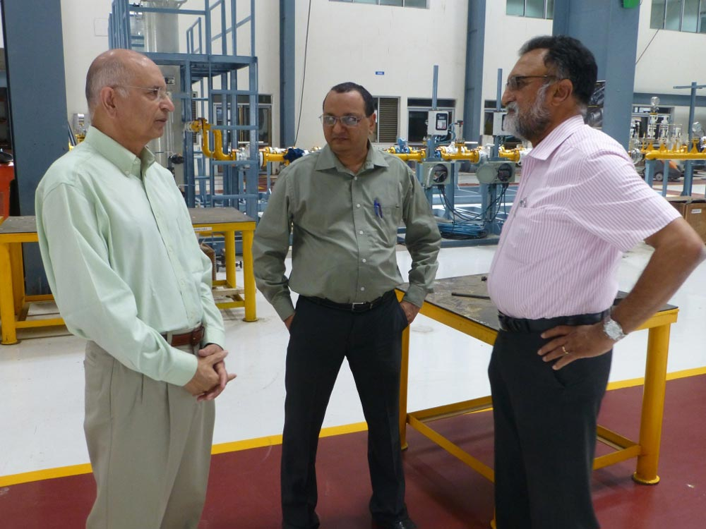 Dr. Sehra interacting with the Technical Team at Corrtech Energy